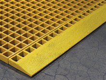 frp-molded-grating-grating-edge-ramp (1)